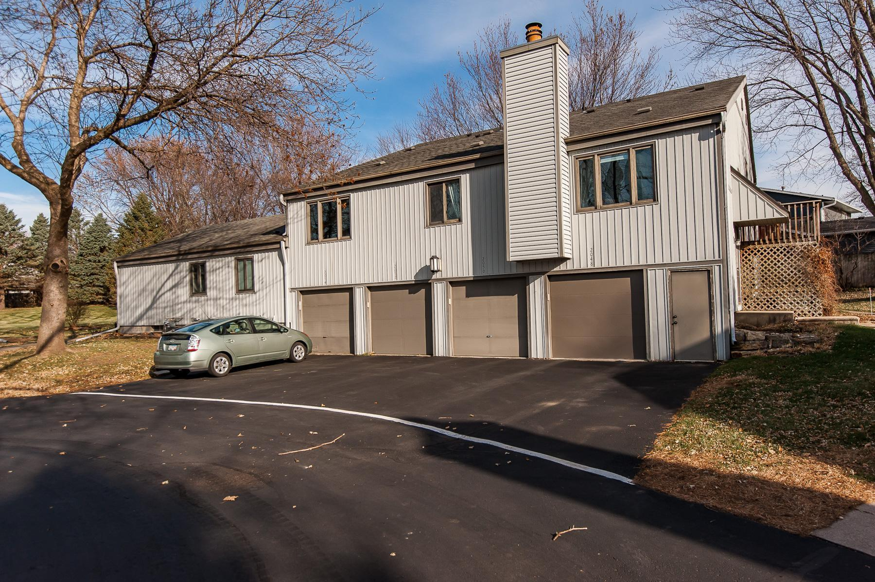 2052 26th Avenue NW Property Photo - Rochester, MN real estate listing