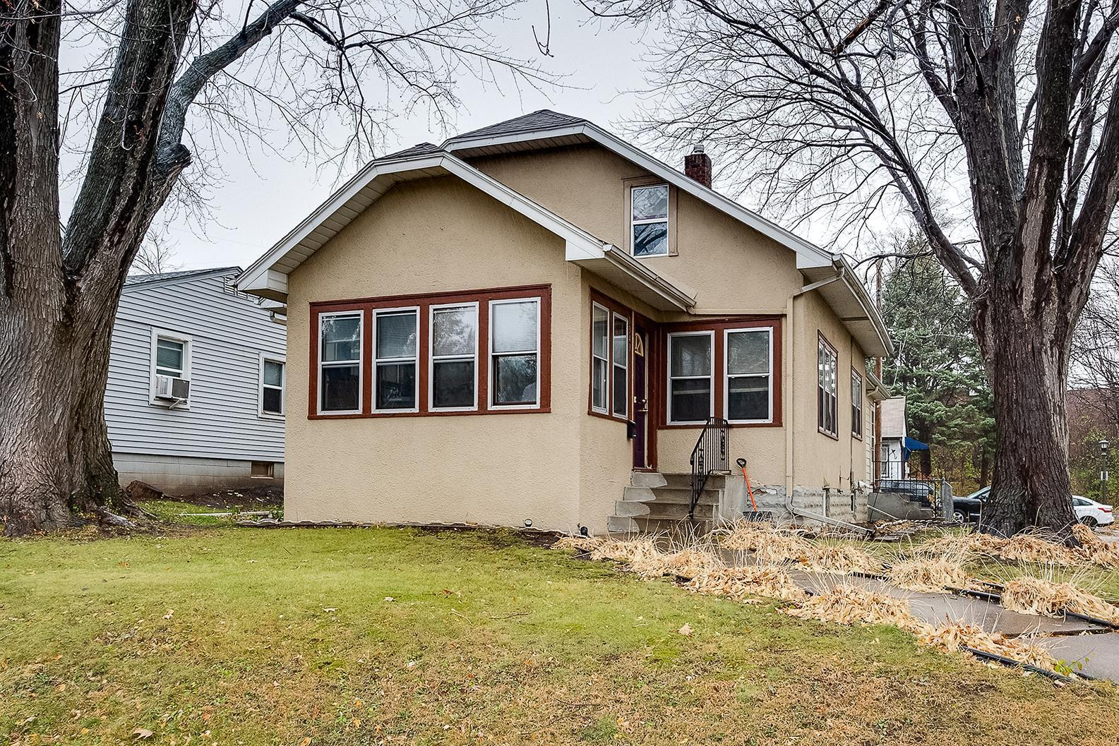 1343 Pacific Street Property Photo - Saint Paul, MN real estate listing