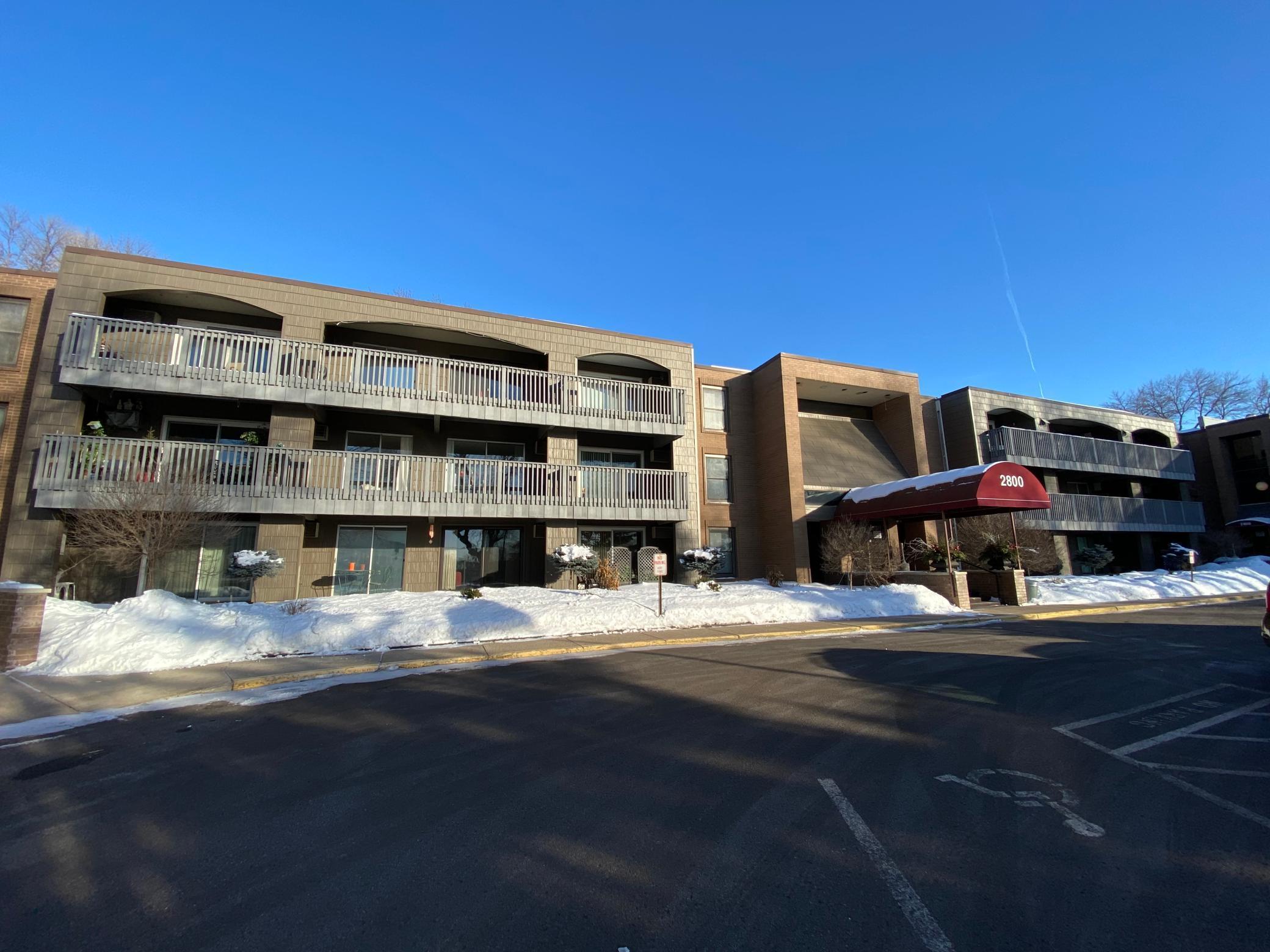 2800 Hamline Avenue N #127 Property Photo - Roseville, MN real estate listing