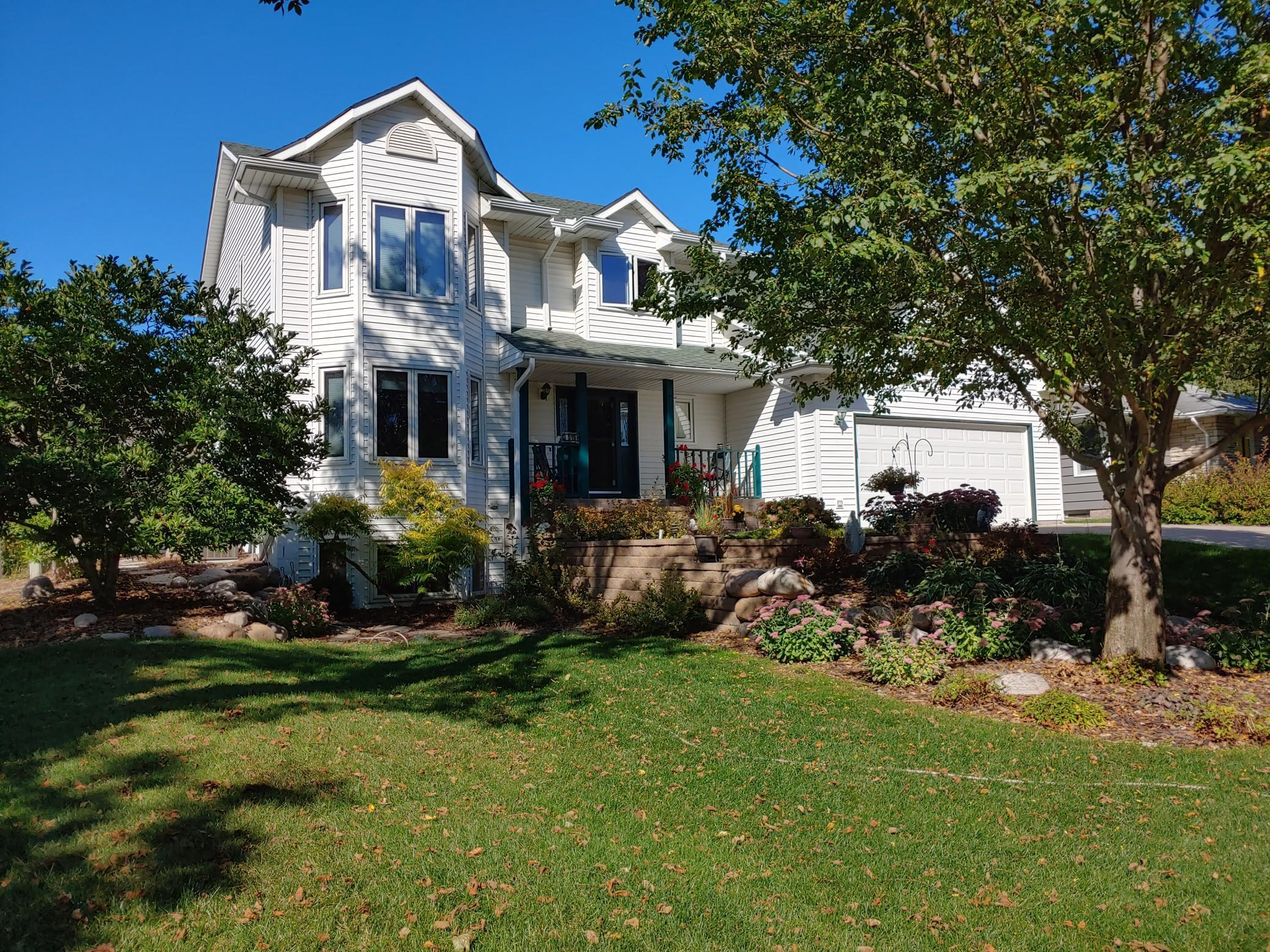 3019 31st Avenue NE Property Photo - Saint Anthony, MN real estate listing