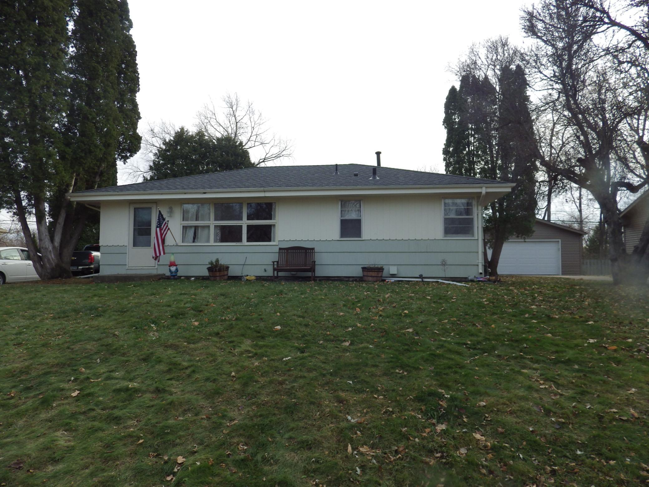 8117 30th Avenue N Property Photo