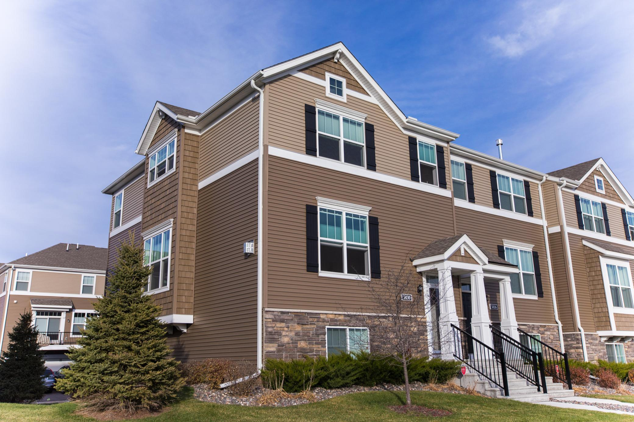 Avebury Place Townhomes Real Estate Listings Main Image