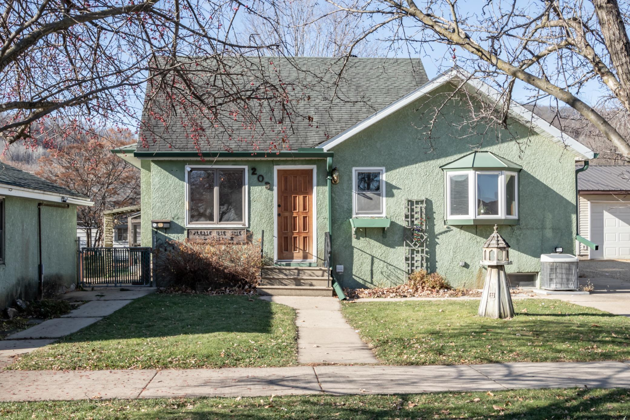 203 N Elm Street Property Photo