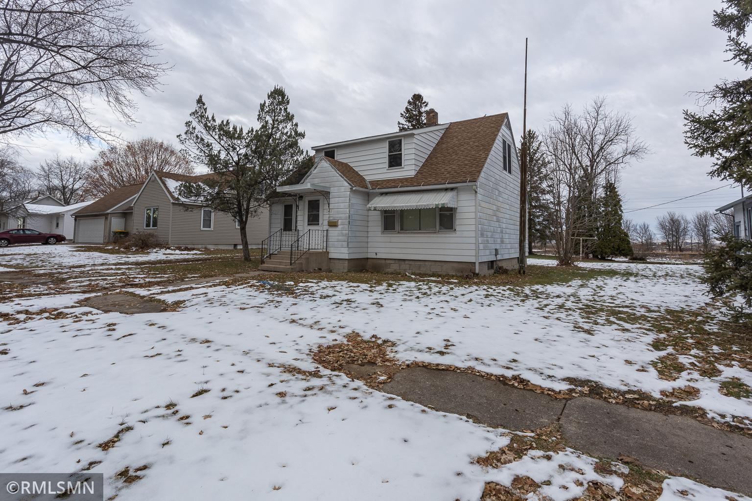 141 Dupont Avenue NE Property Photo - Hector, MN real estate listing