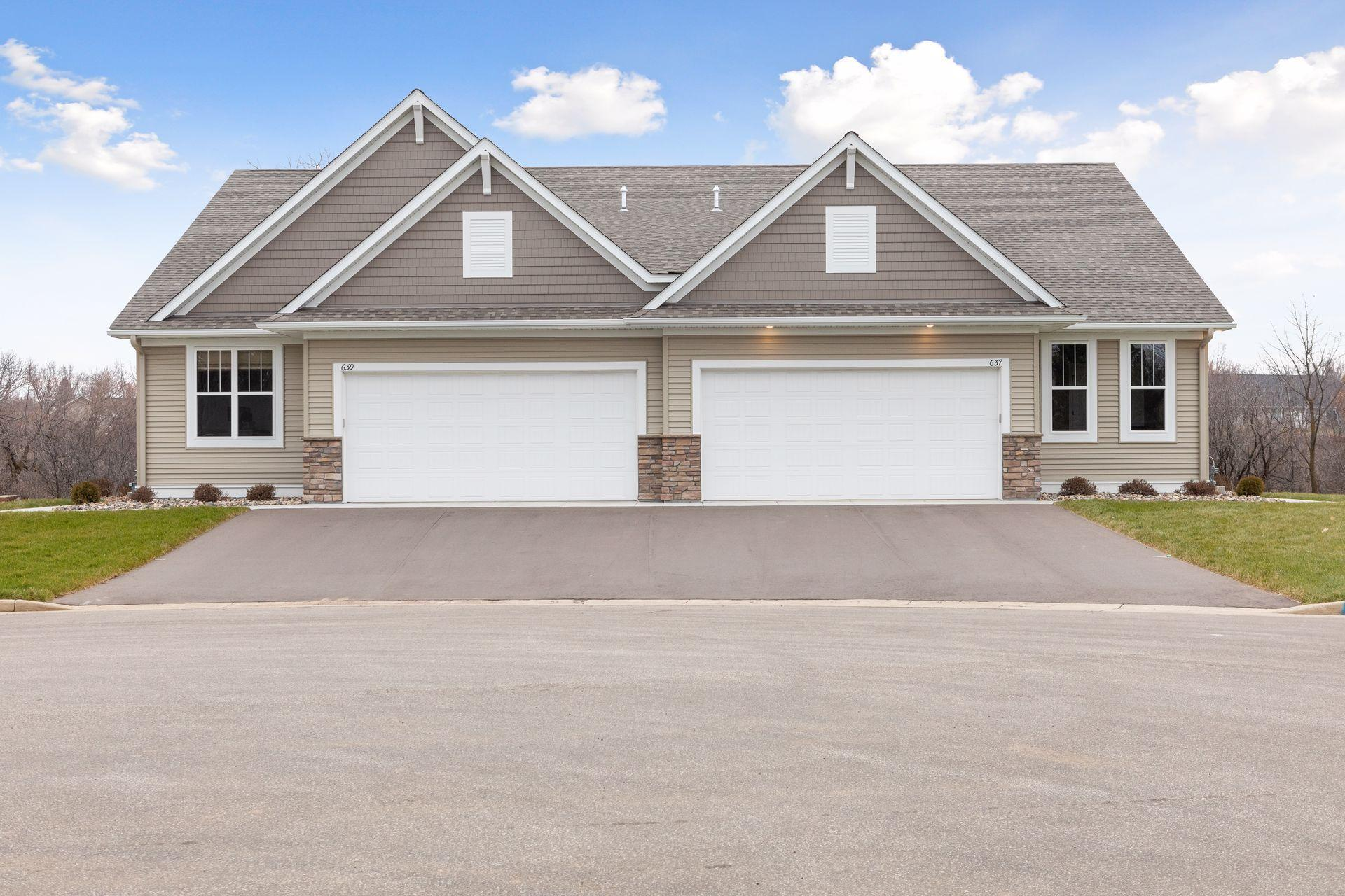 637 Maple Court Property Photo - New Richmond, WI real estate listing