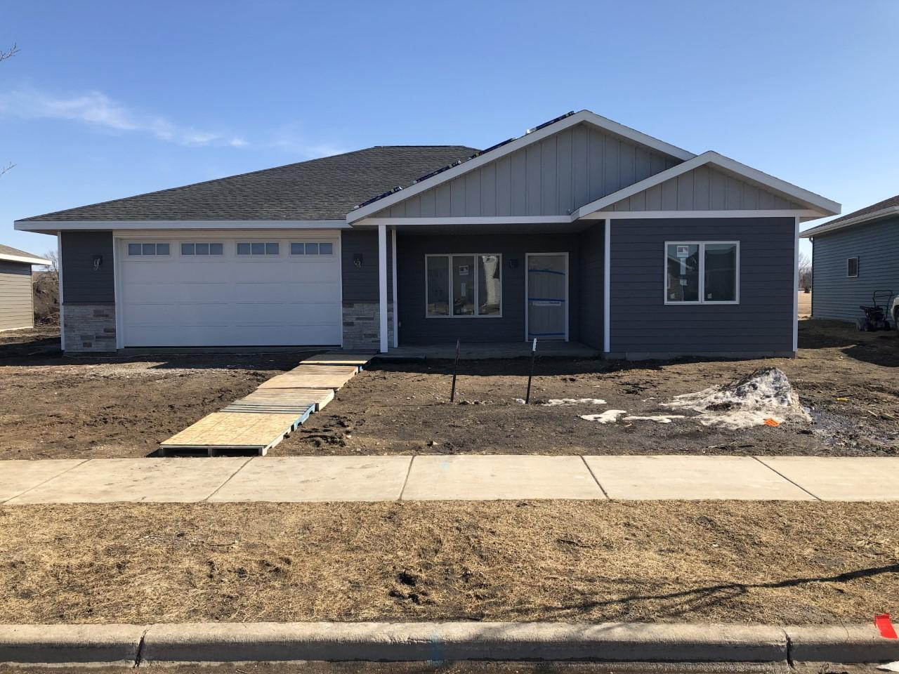 636 Pfaender Drive Property Photo - New Ulm, MN real estate listing