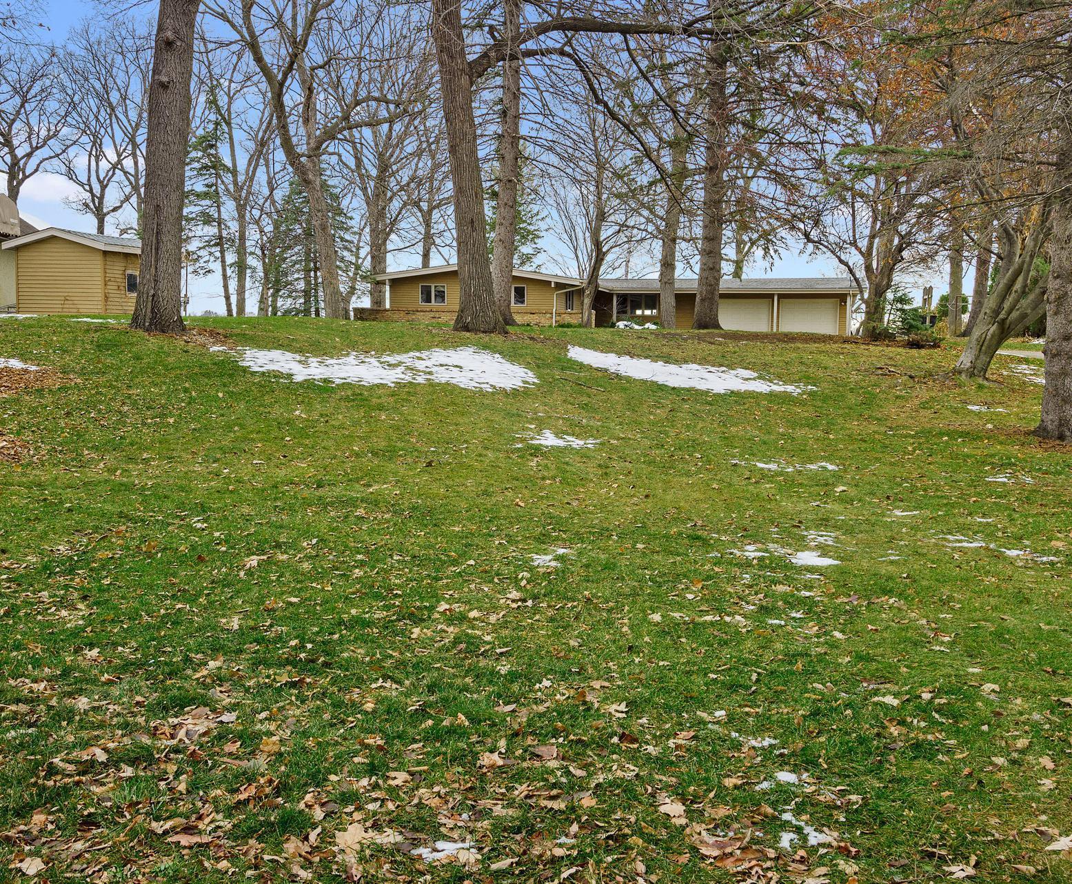 60 Lake Drive E Property Photo - Annandale, MN real estate listing