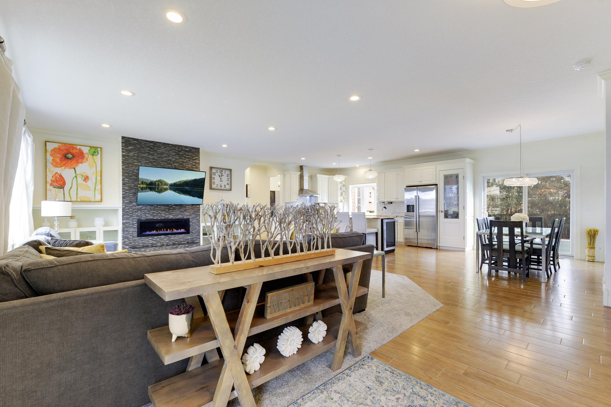 7105 Heatherton Trail Property Photo - Edina, MN real estate listing