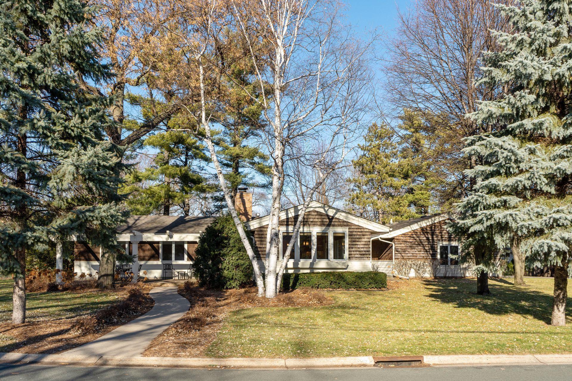 105 Farmdale Road E Property Photo - Hopkins, MN real estate listing