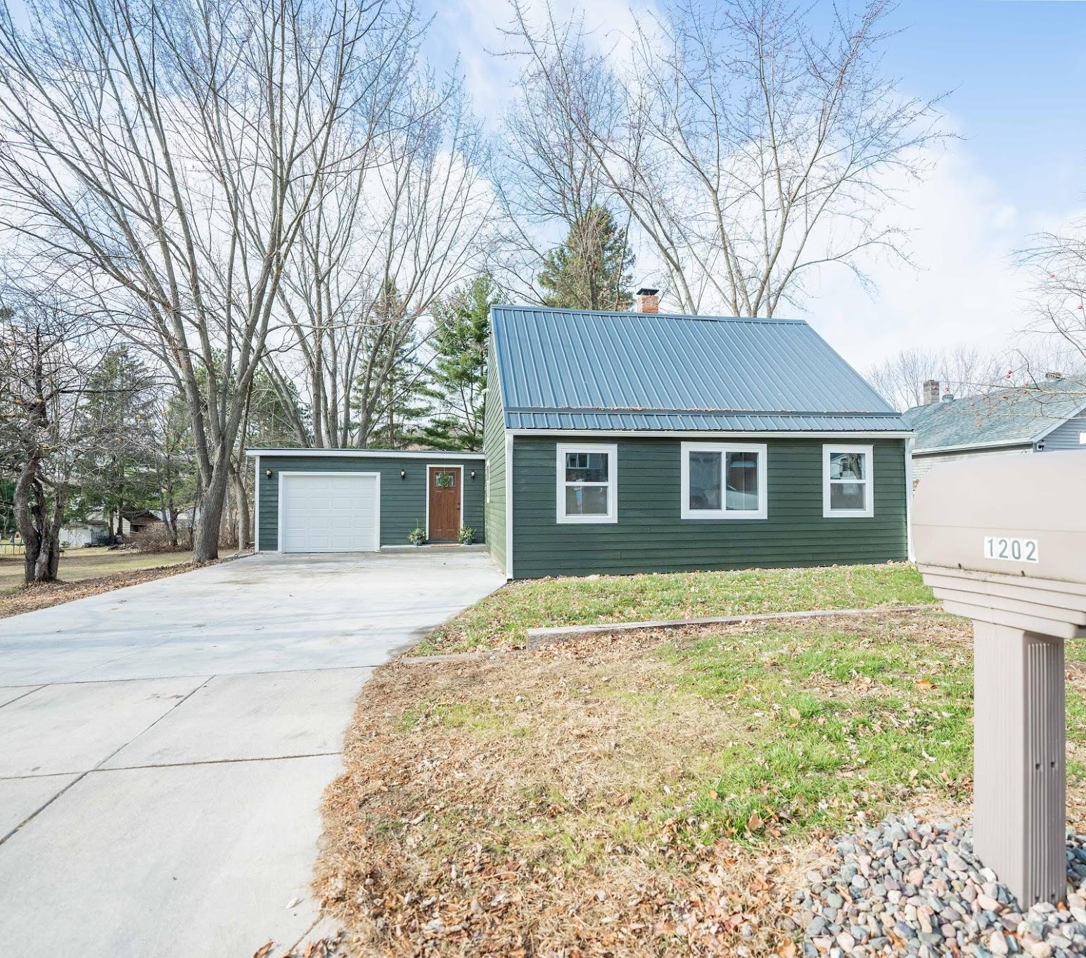 1202 Andover Avenue Property Photo - Eau Claire, WI real estate listing