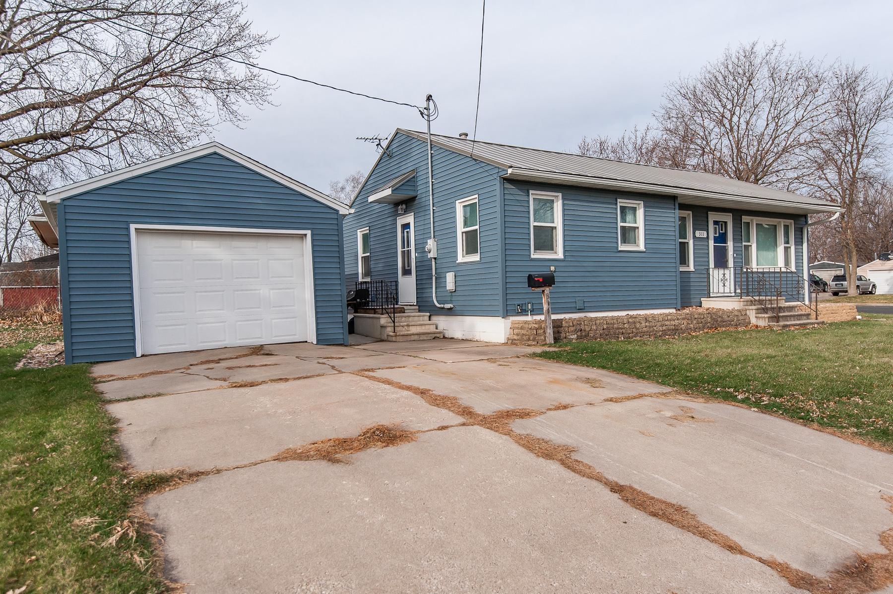 311 4th Avenue SE Property Photo - Stewartville, MN real estate listing