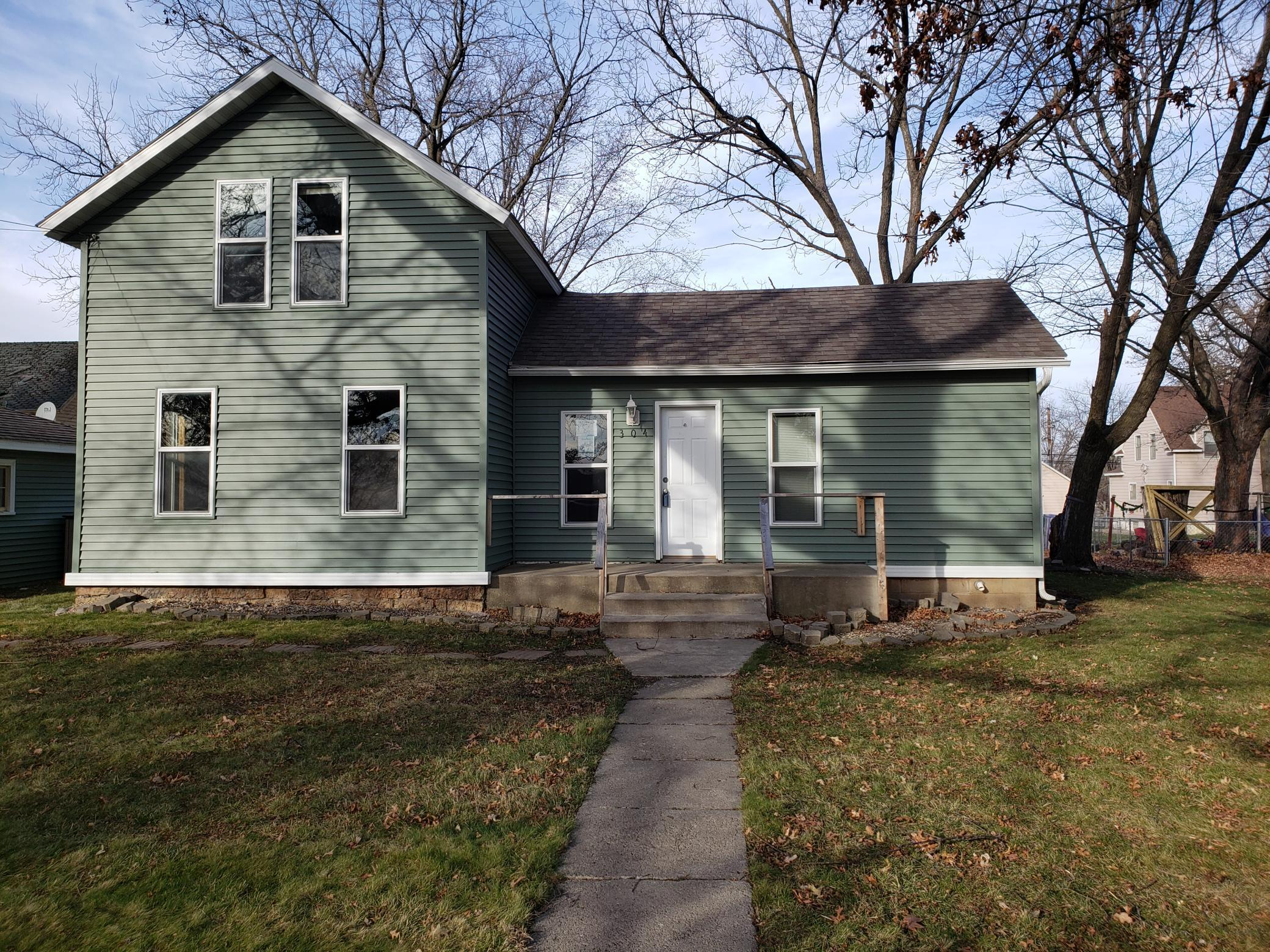 304 1st Street NW Property Photo - Dodge Center, MN real estate listing