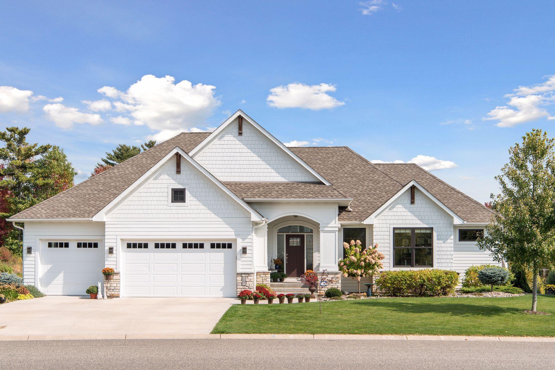 15 Crescent Lane Property Photo - North Oaks, MN real estate listing