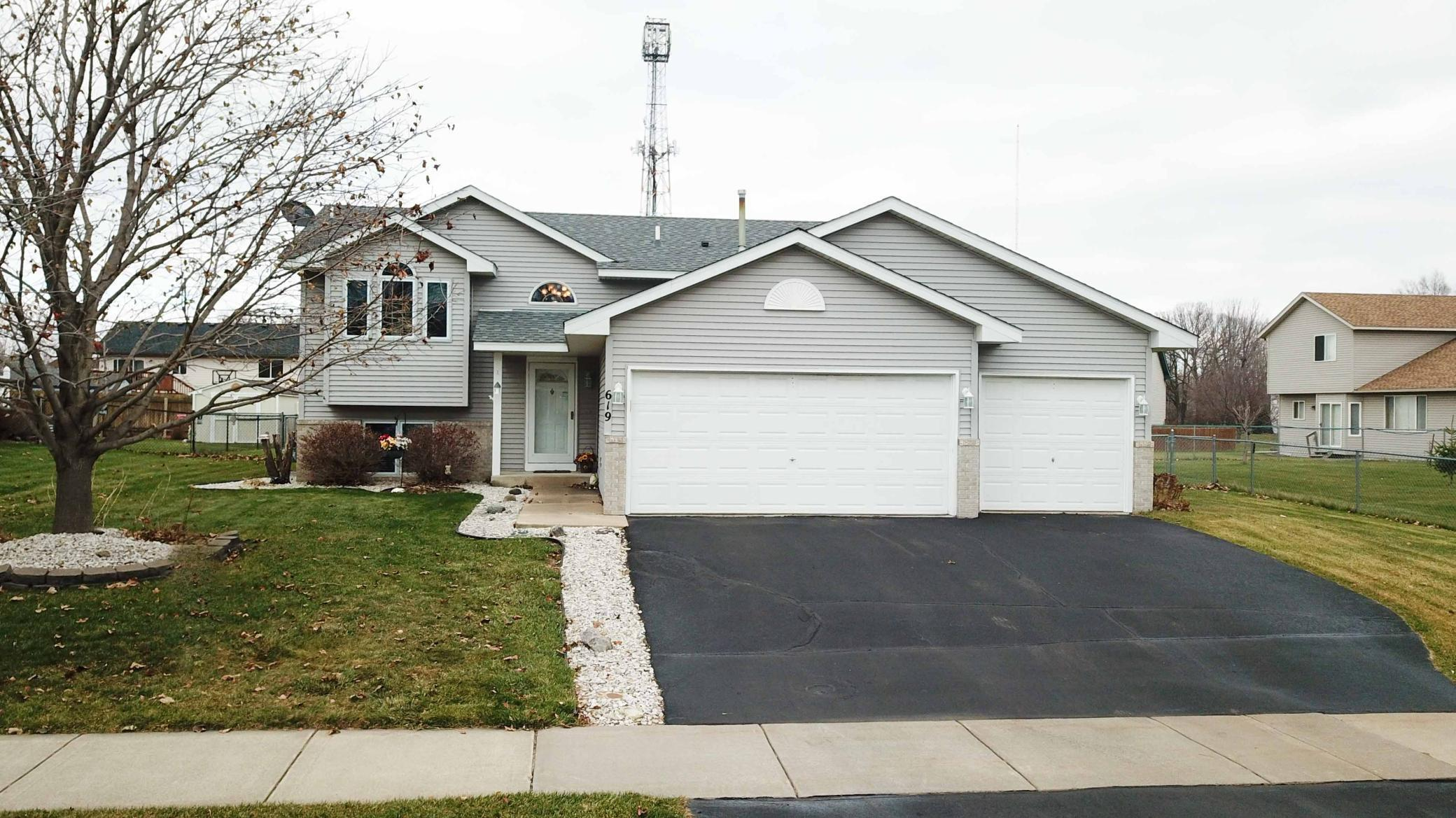 619 Weaver Boulevard Property Photo - Anoka, MN real estate listing