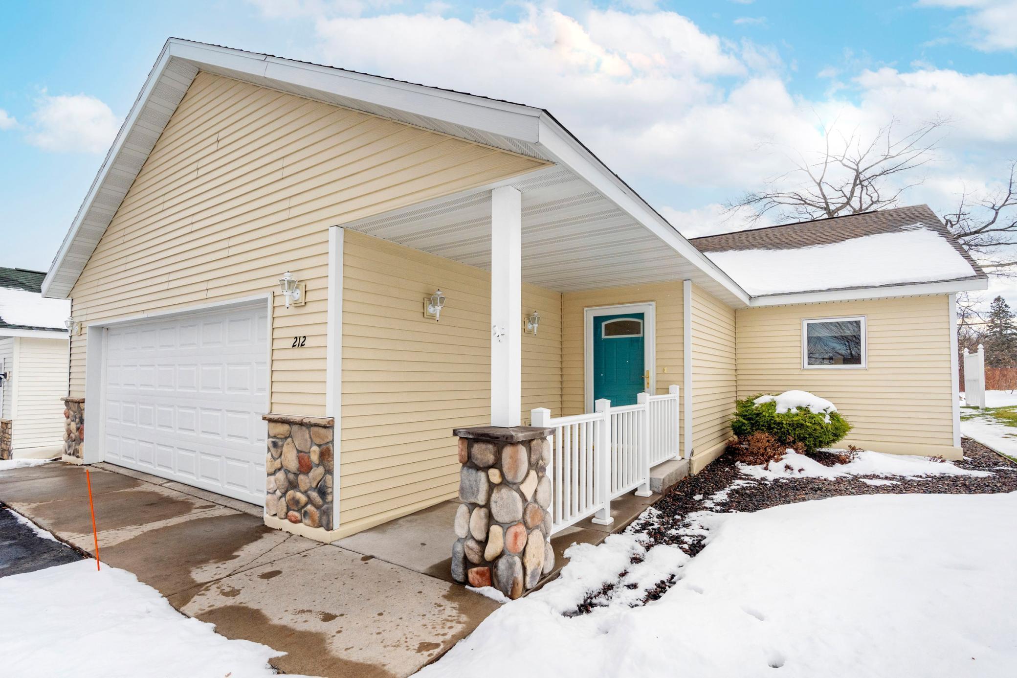 212 Bluffs Ridge Court Property Photo - Duluth, MN real estate listing