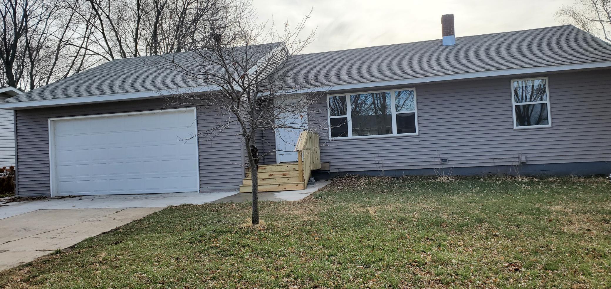 503 5th Street NE Property Photo - Hayfield, MN real estate listing
