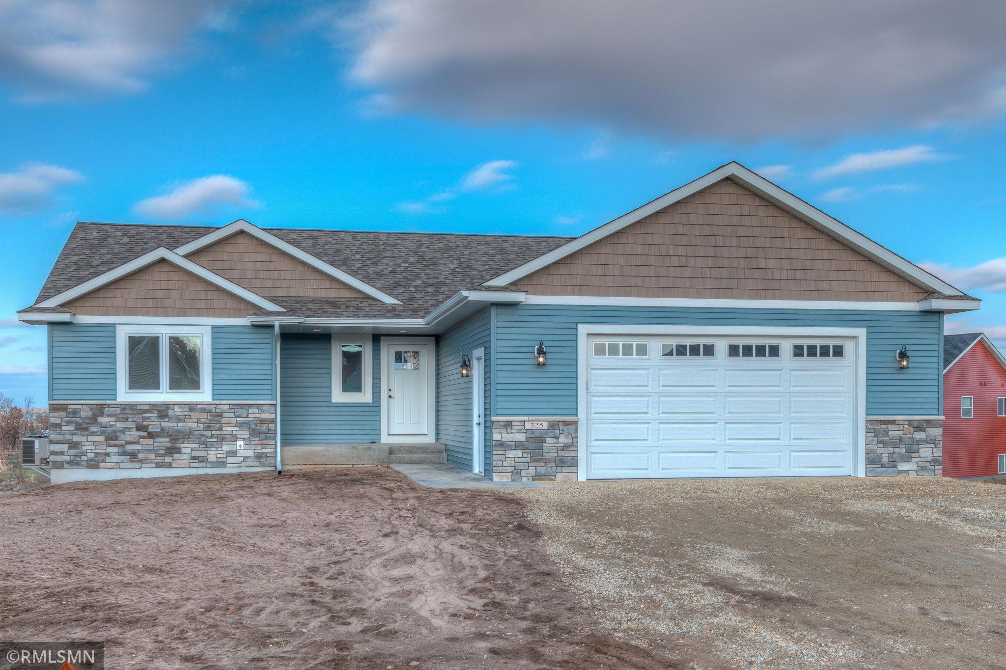 325 Dakota Avenue Property Photo - Roberts, WI real estate listing