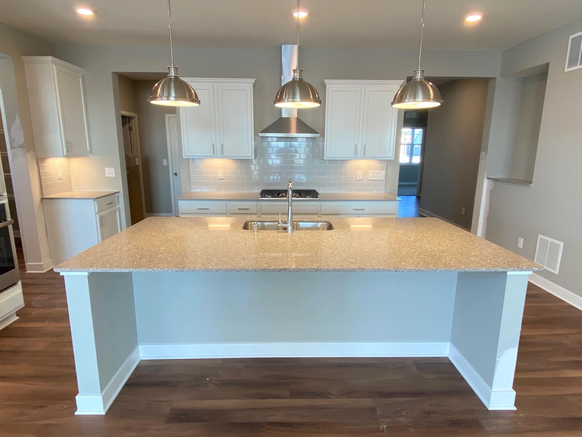 5211 Saddleback Circle Property Photo