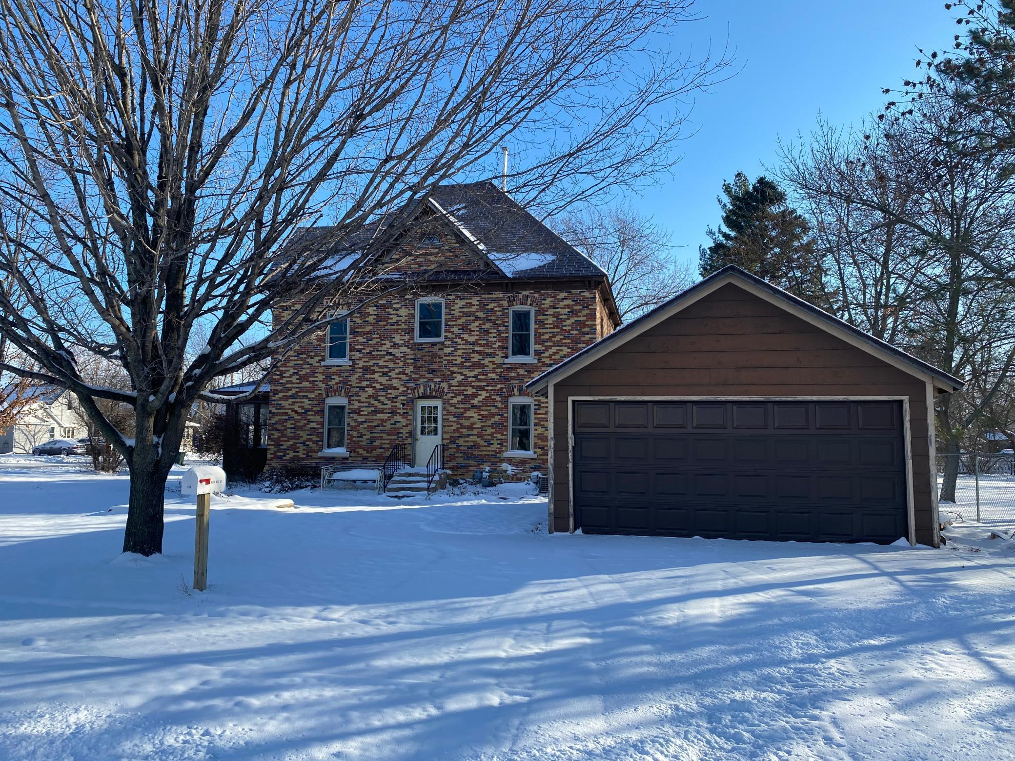 419 W Mill Street Property Photo