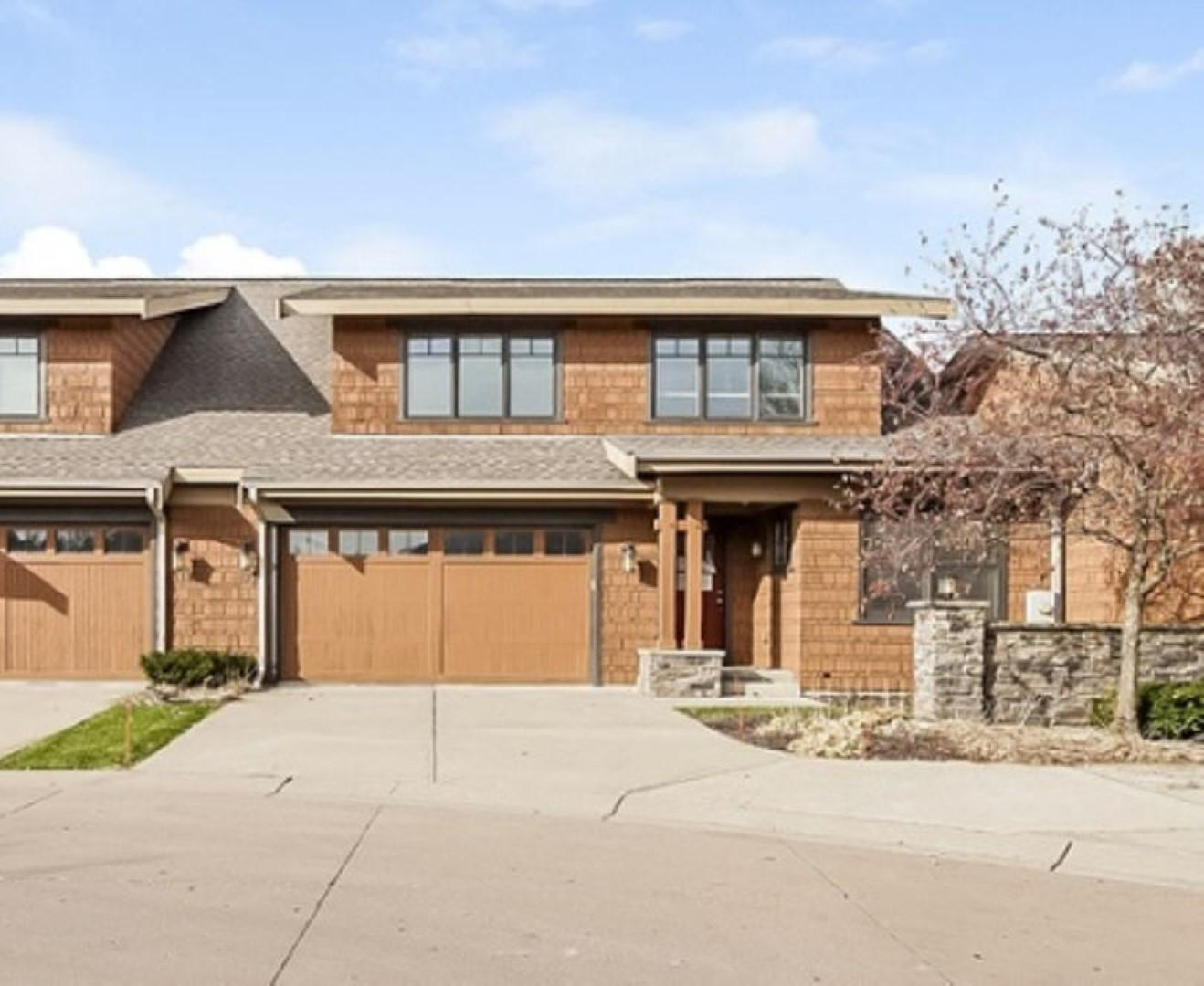 1178 Lexington Ridge Court Property Photo - Eagan, MN real estate listing