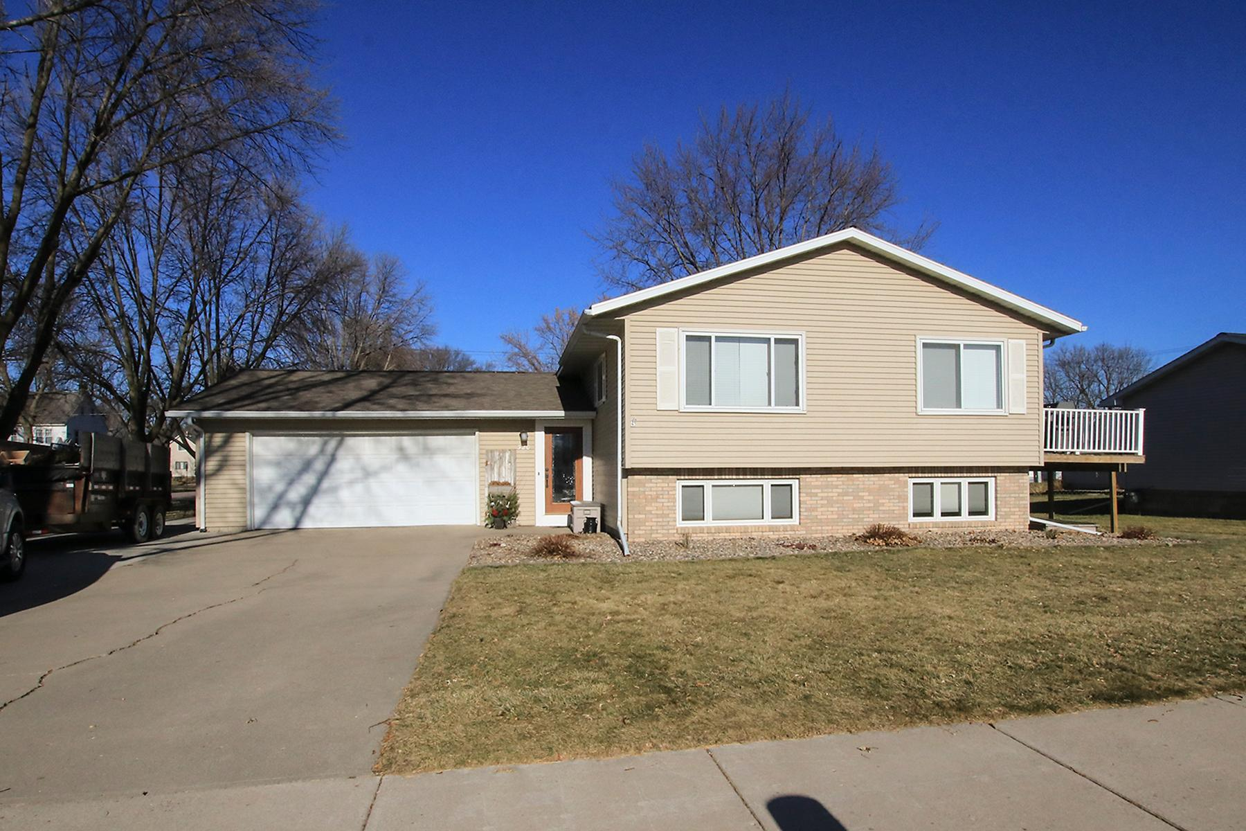 320 Linden Street SW Property Photo - Sleepy Eye, MN real estate listing