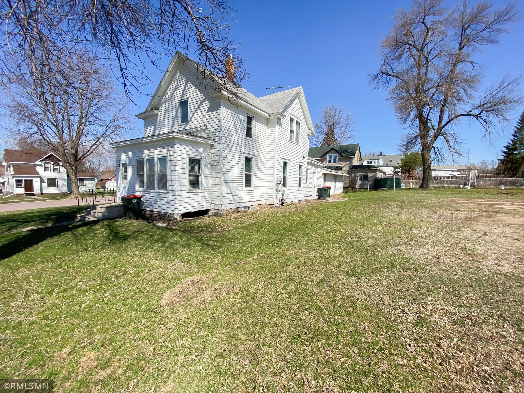 108 W 3rd Street Property Photo - Winthrop, MN real estate listing