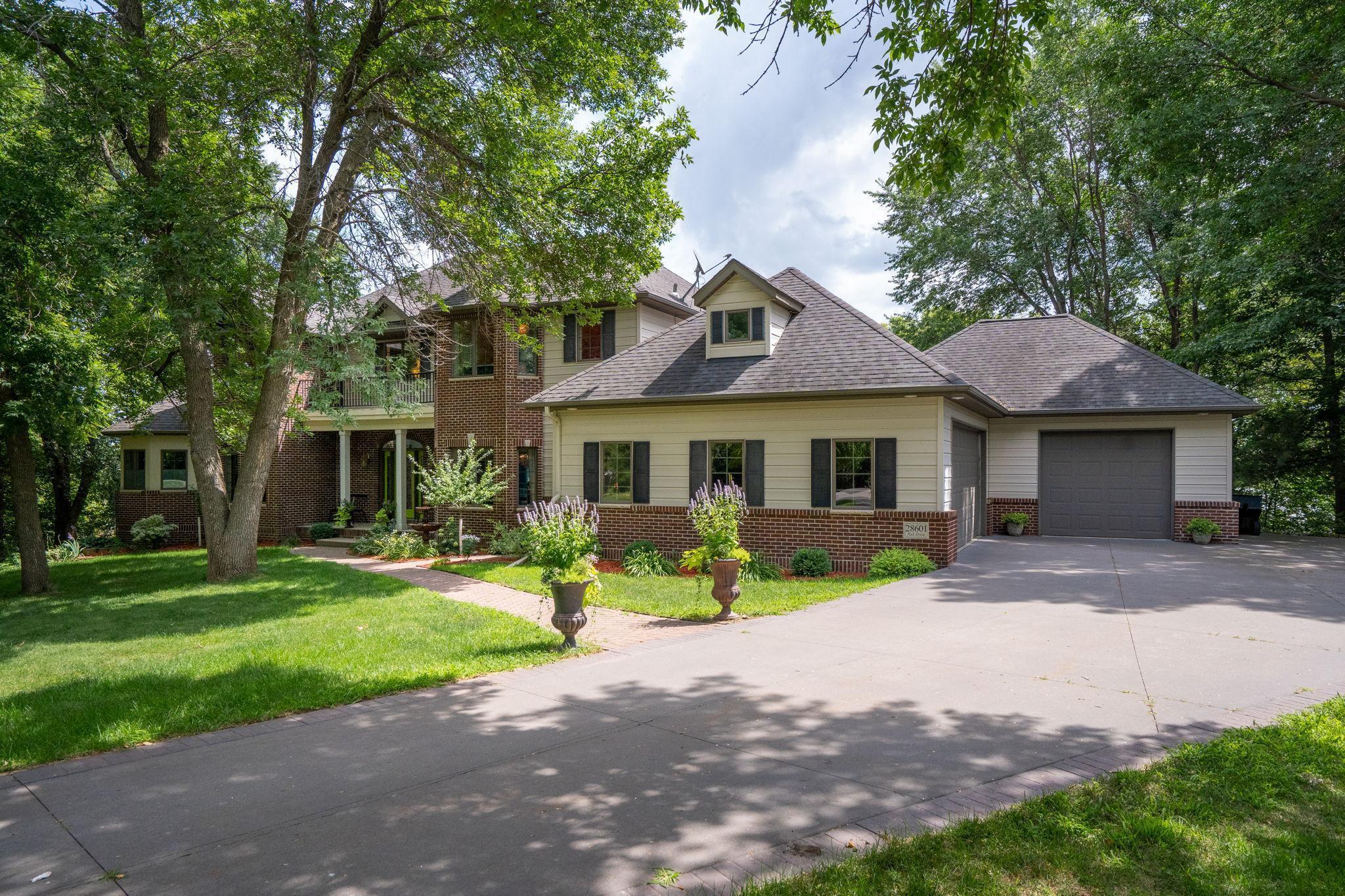 56063 Real Estate Listings Main Image