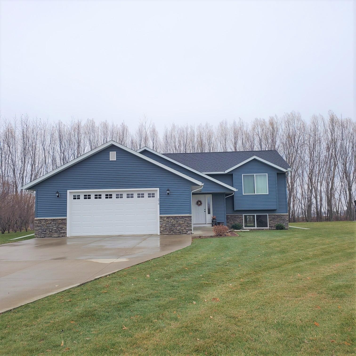 273 Maple Ridge Drive Property Photo - Henderson, MN real estate listing