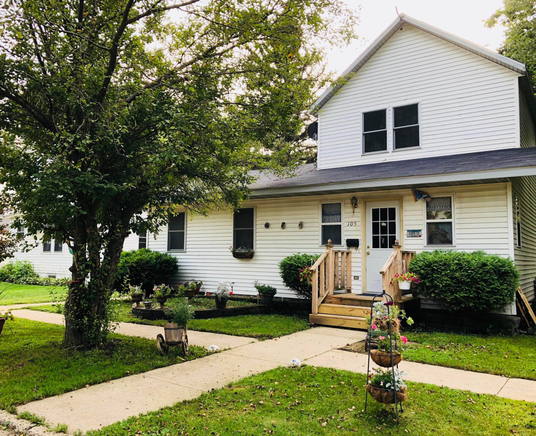 105 N Grove Street Property Photo