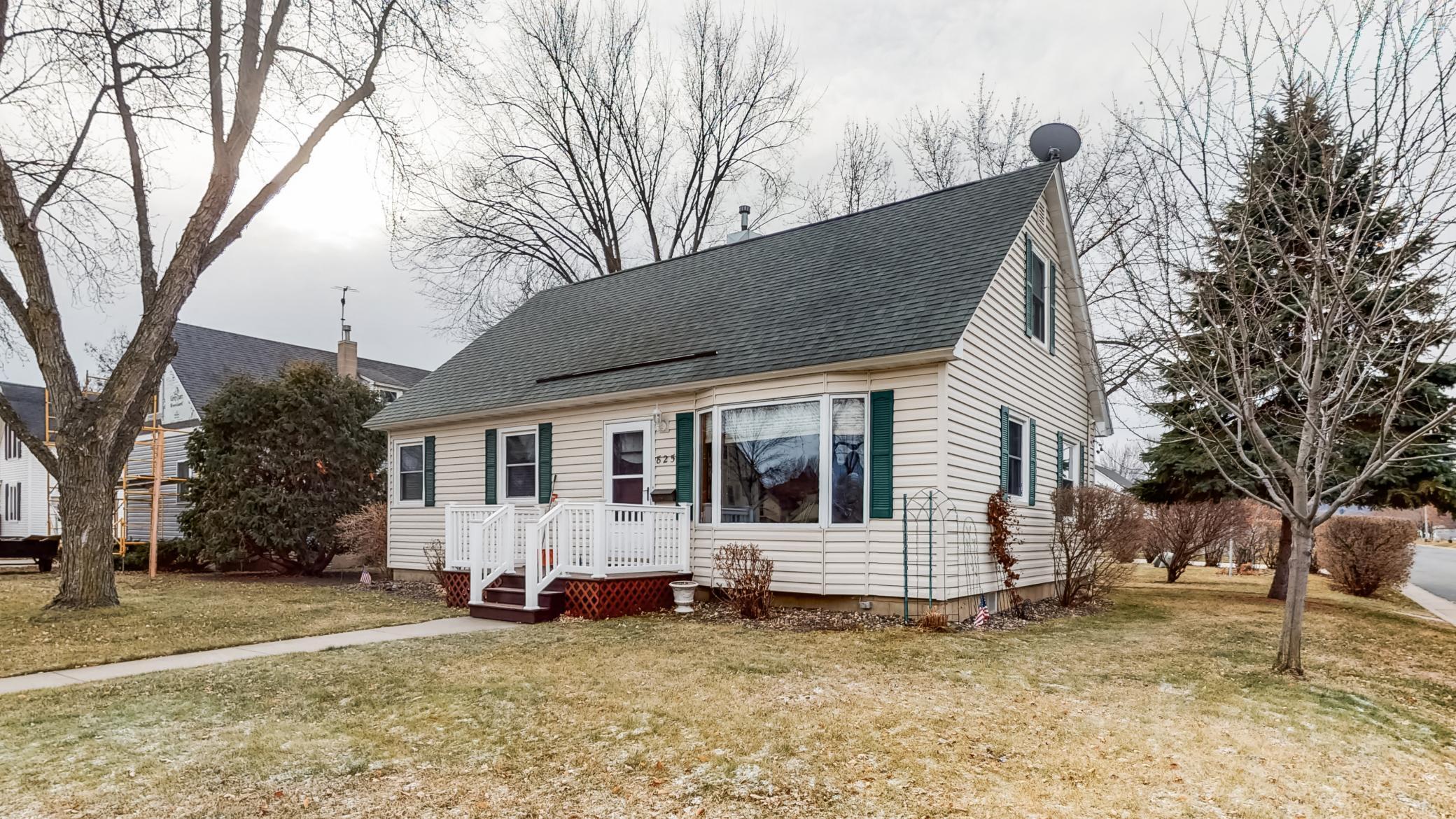 825 N Oak Street Property Photo - Lake City, MN real estate listing
