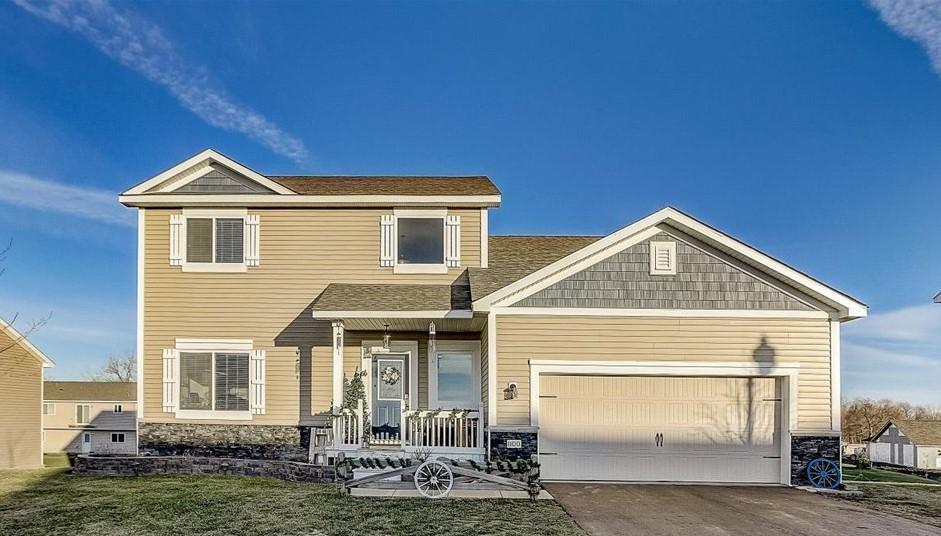 1100 Foede Circle Property Photo - Montrose, MN real estate listing