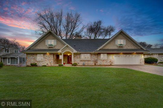 4607 Lakeview Drive Property Photo