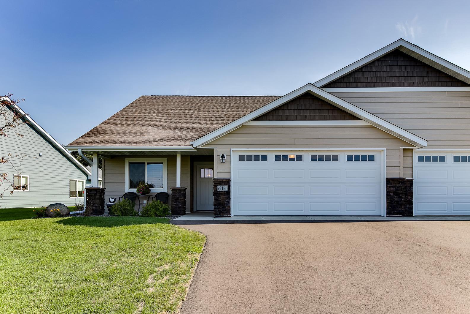 614 Kreekview Drive Property Photo - Osceola, WI real estate listing