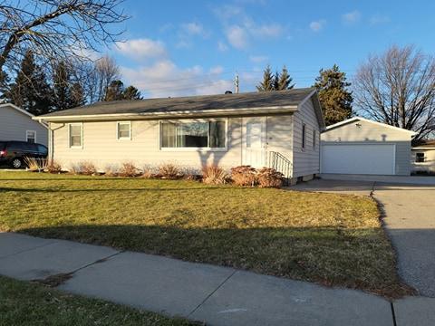 15 6th Street SW Property Photo - Eyota, MN real estate listing