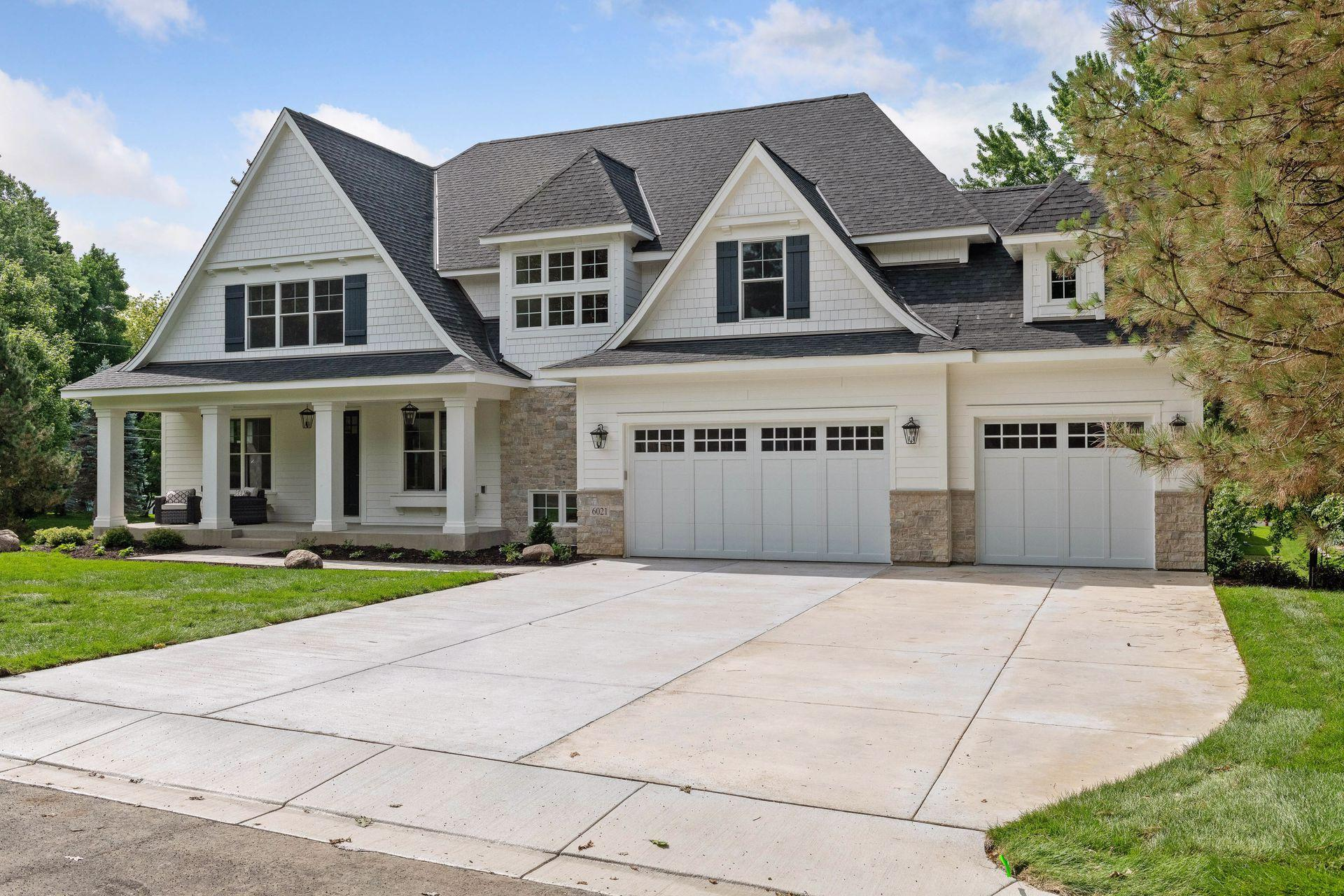 6021 Saxony Road Property Photo - Edina, MN real estate listing