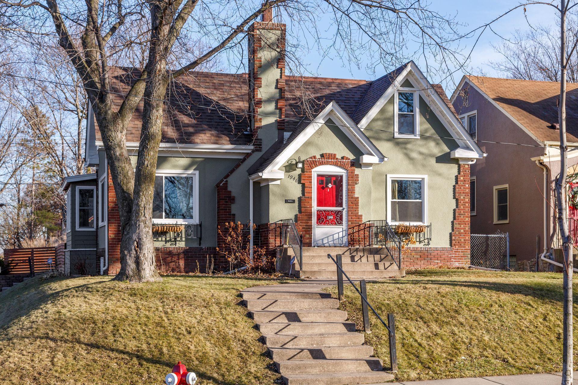 1946 Xerxes Avenue N Property Photo - Minneapolis, MN real estate listing