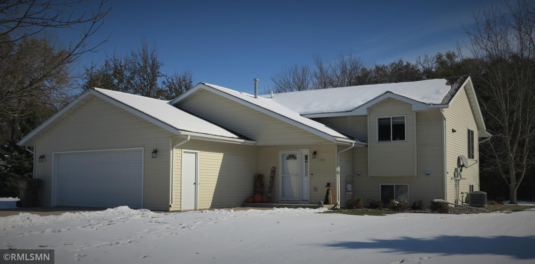 1208 N 15th Street Property Photo - Montevideo, MN real estate listing