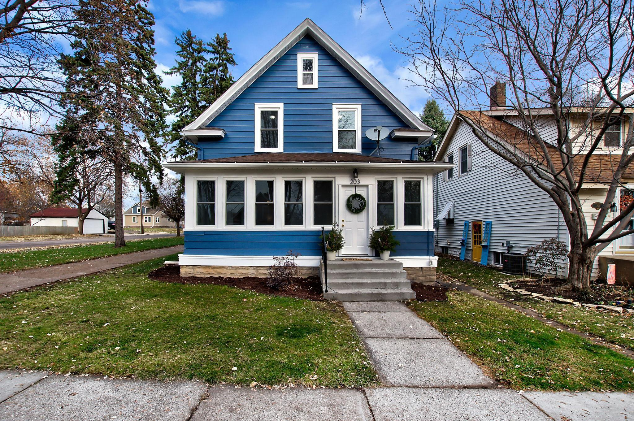 203 King Street W Property Photo - Saint Paul, MN real estate listing
