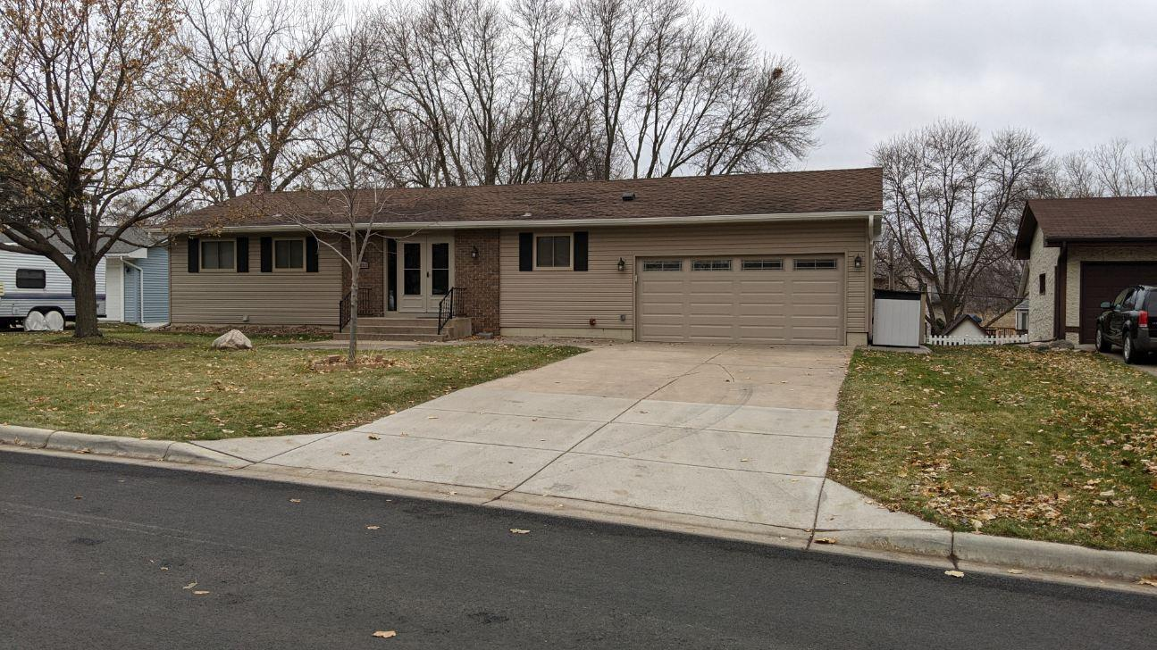 4833 Flag Avenue N Property Photo - New Hope, MN real estate listing