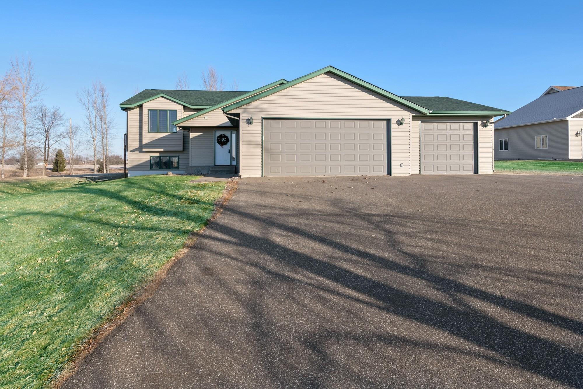 1014 159th Avenue Property Photo - New Richmond, WI real estate listing