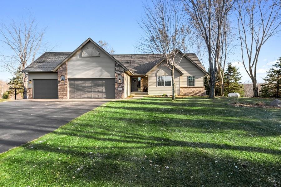 35365 Palisade Drive NE Property Photo - Cambridge, MN real estate listing