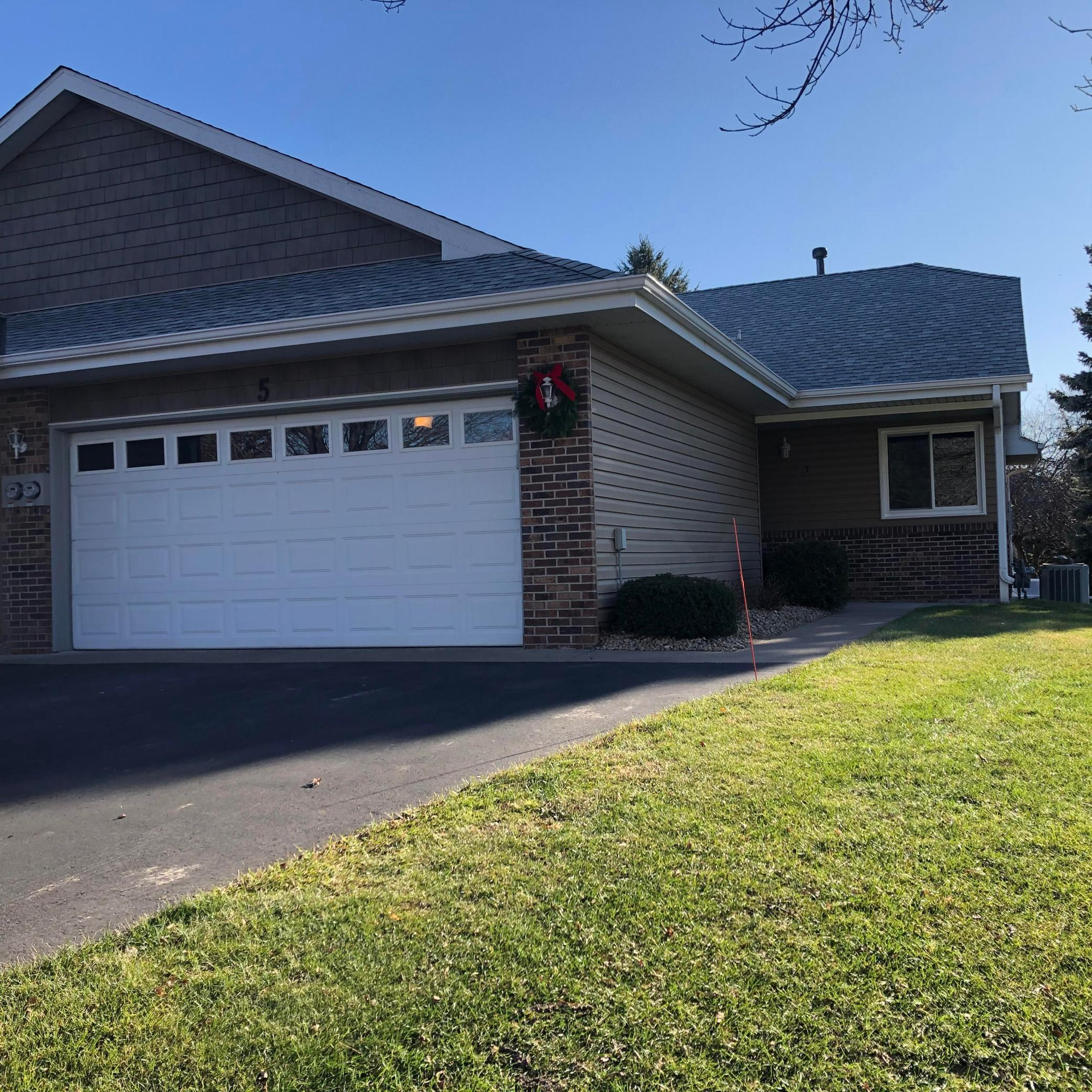 5 Oak Leaf Lane Property Photo - Circle Pines, MN real estate listing