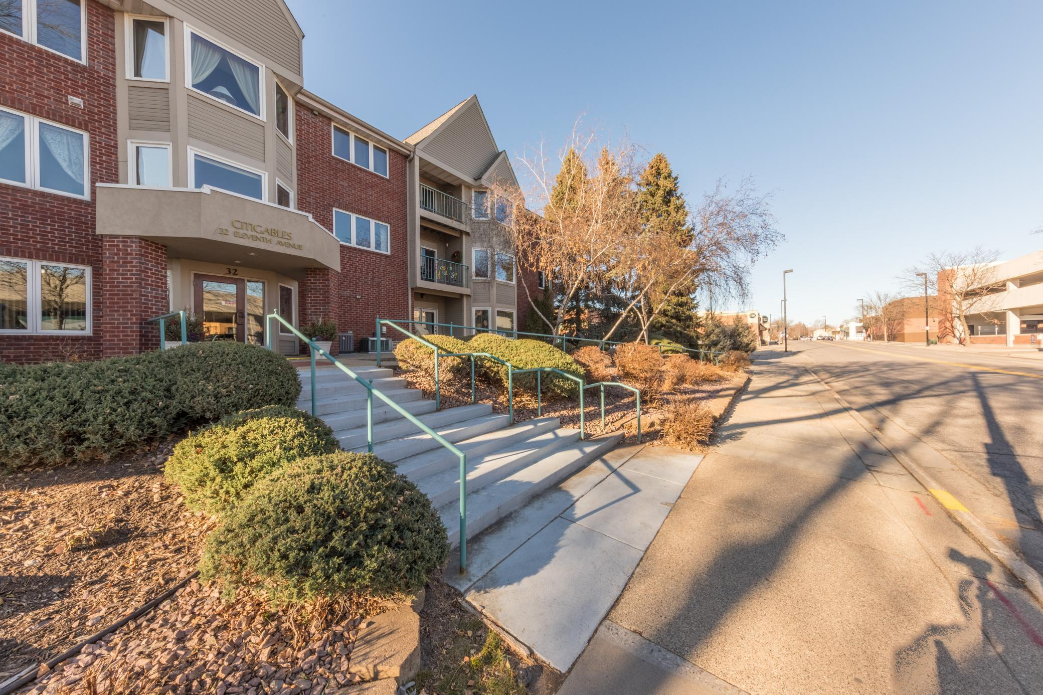 32 11th Avenue S #101 Property Photo - Hopkins, MN real estate listing
