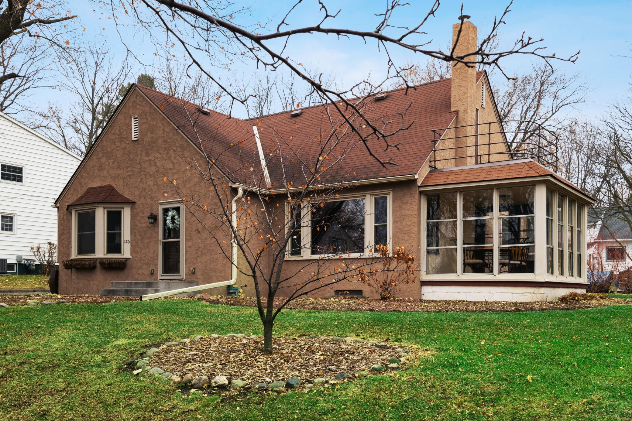 120 Lake Avenue E Property Photo - Winsted, MN real estate listing