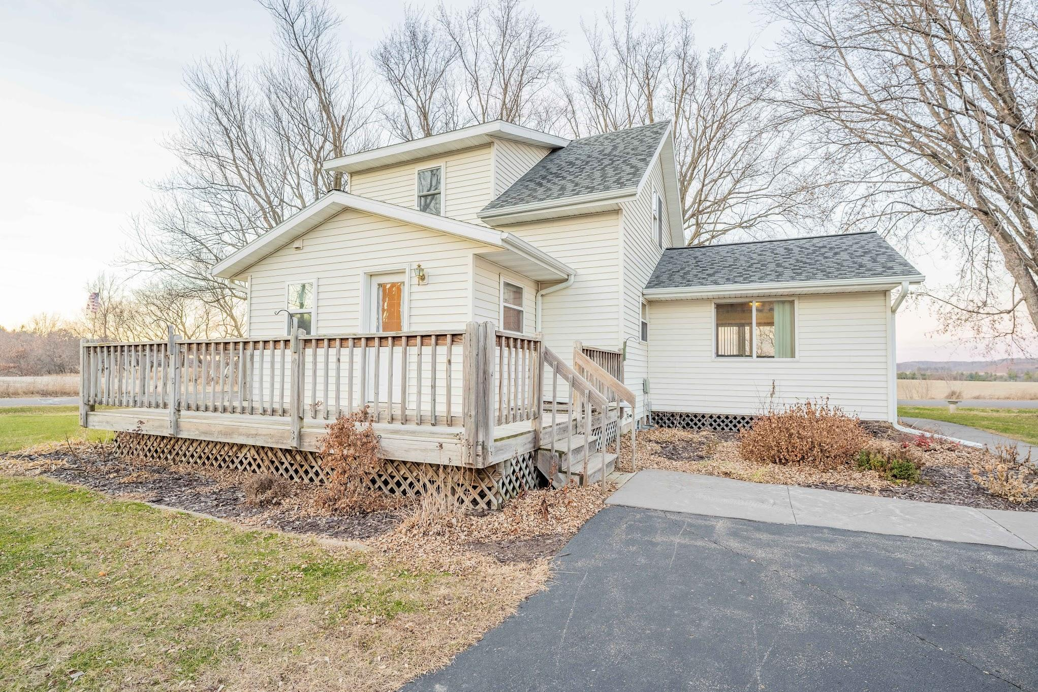 1011 170th Avenue Property Photo - Cooks Valley Twp, WI real estate listing