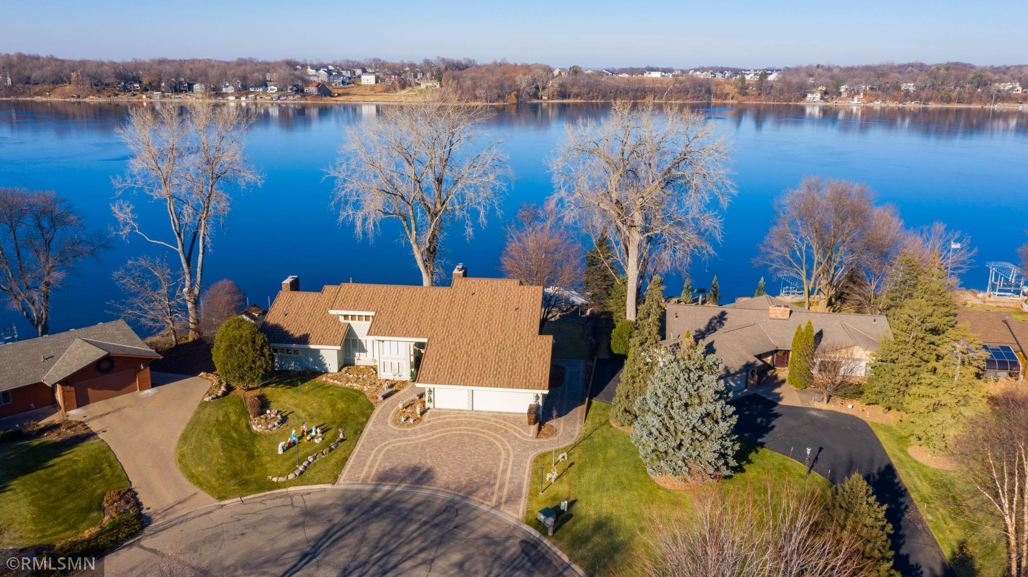 5206 Frost Point Circle SE Property Photo - Prior Lake, MN real estate listing