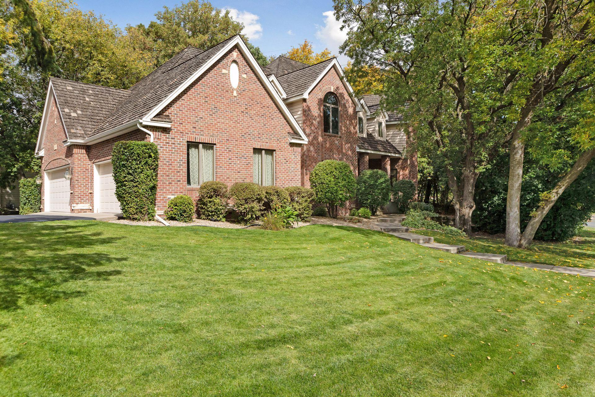 14909 Summit Oaks Drive Property Photo - Burnsville, MN real estate listing