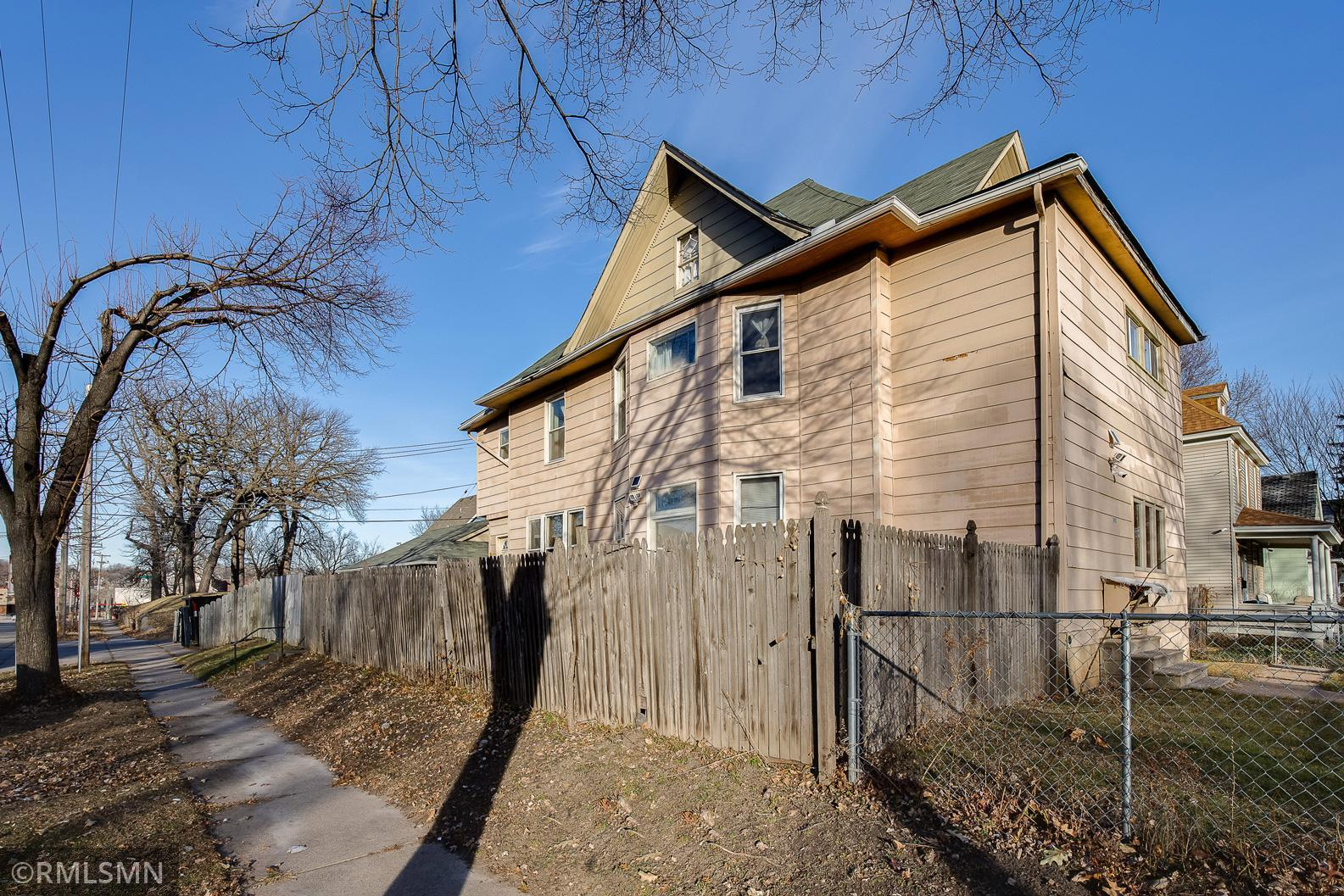 1001 Reaney Avenue Property Photo