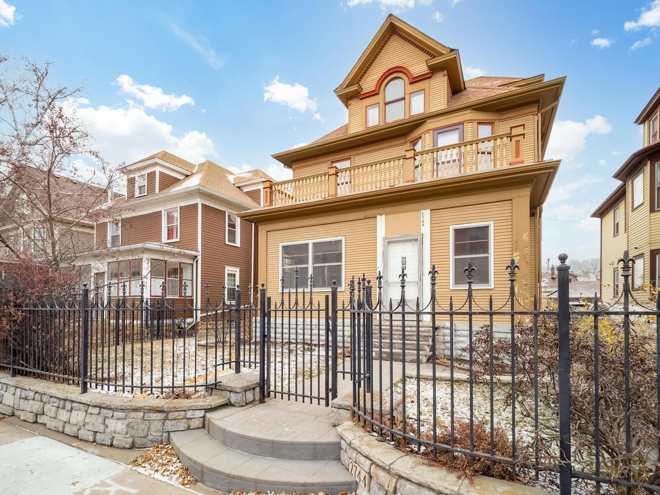 2744 Chicago Avenue Property Photo - Minneapolis, MN real estate listing