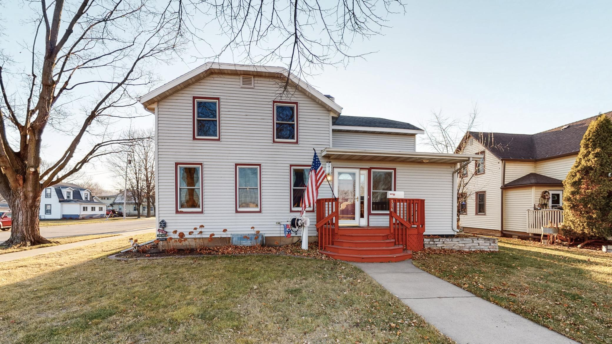 316 S 6th Street Property Photo - Lake City, MN real estate listing